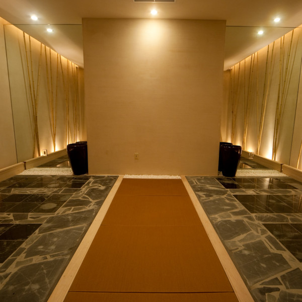 Hot Stone Sauna Room